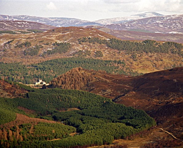 A_view_to_Balmoral_Castle_-_geograph.org.uk_-_1769161.jpg