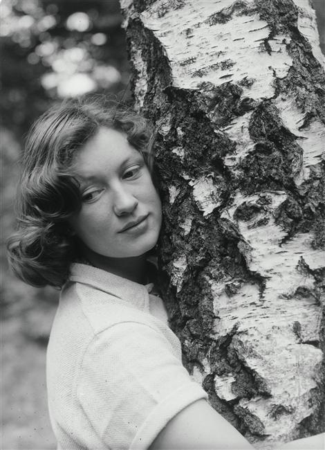 florence-henri-portrait-of-a-woman-1938-1346881965_b.jpg