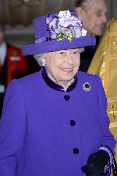 La-reine-Elizabeth-II-a-l-Abbaye-de-Westminster-a-Londres-le-24-novembre-2016 (1).jpg