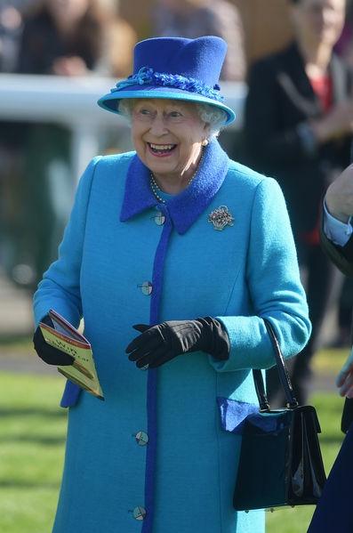 Elizabeth-II-A-Newbury-Le-22-Avril-2017-1.jpg